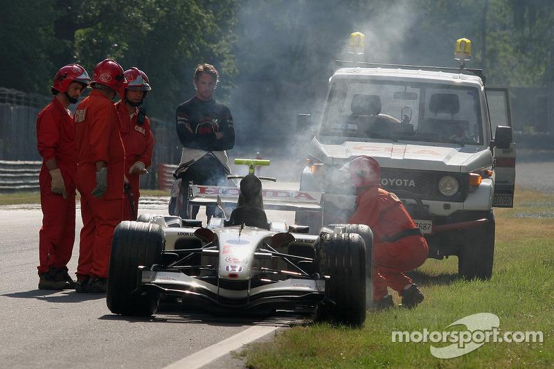 Jenson Button a des ennuis