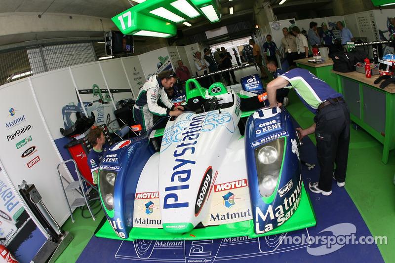 Franck Montagny dans le garage Pescarolo Sport
