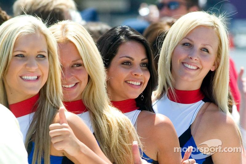 Jeunes femmes de Infineon