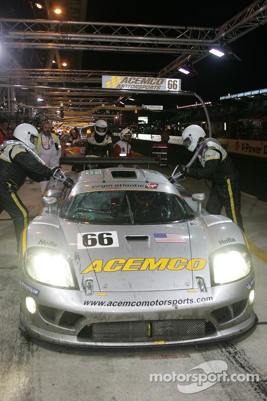 #66 ACEMCO Motorsports Saleen S7R dans les stands