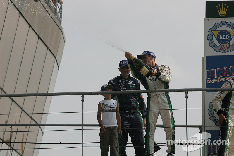 Podium LMP1 : champagne for Eric Hélary