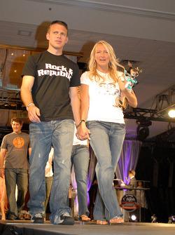 Ed et Heather Carpenter avec le chien Roscoe