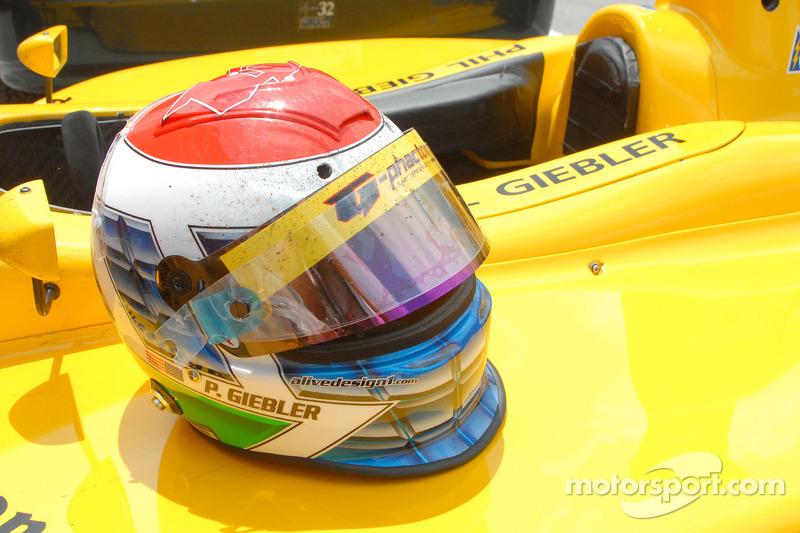 Le casque de Phil Giebler après 39 tours à Indy