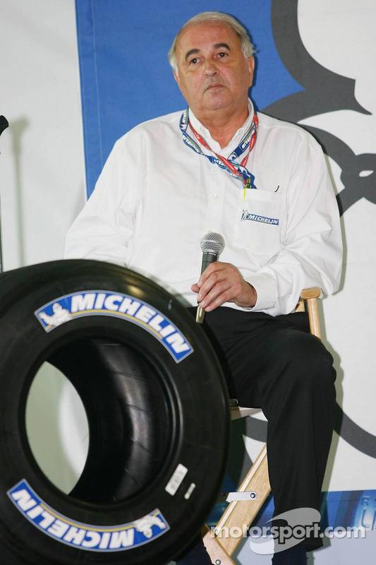 Presse de conférence de Michelin Michelin : Frederic Henry Biabaud