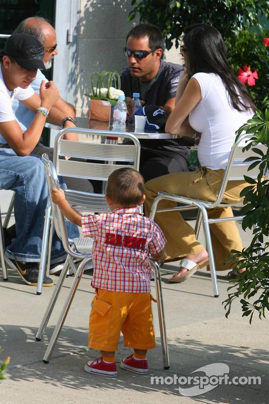 Federico Montoya, Juan Pablo Montoya, Pablo Montoya, Connie Montoya et son fils Sebastian