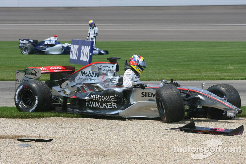 Accident au premier virage : Juan Pablo Montoya et Mark Webber