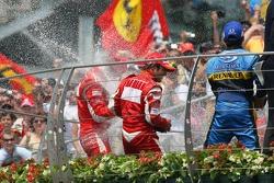 Подіум: 1. Міхаель Шумахер, Ferrari. 2. Феліпе Масса, Ferrari. 3. Джанкарло Фізікелла, Renault