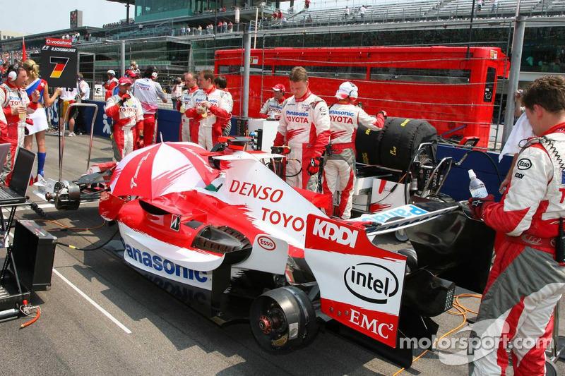 La voiture de Ralf Schumacher sur la grille