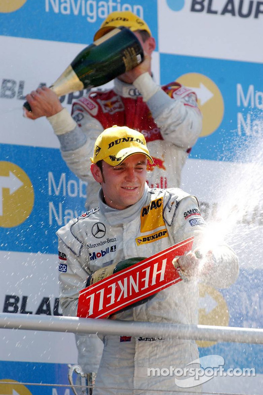 Podium: champagne pour Jamie Green