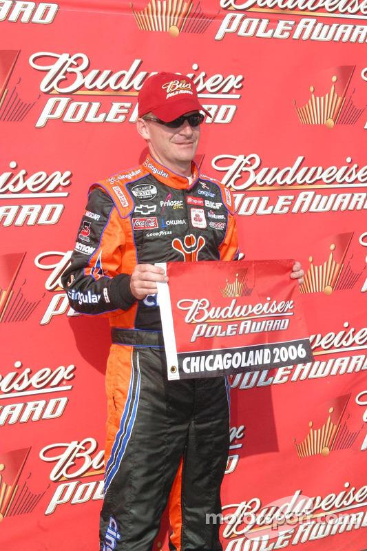 Jeff Burton gagne la pole position à Chicagoland