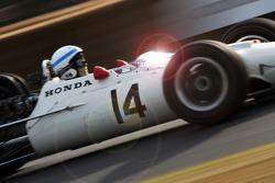 Джон Сьортіс на Honda Ra300