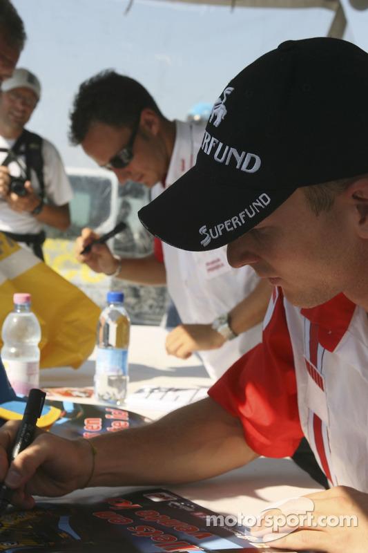 Franck Perera et Alexandre Premat en séance de dédicaces