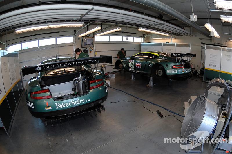 Garage de l'Aston Martin Racing