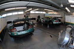 Garage de l'Aston Martin Racing