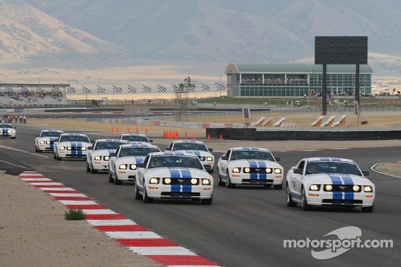 Mustang GTs en formation
