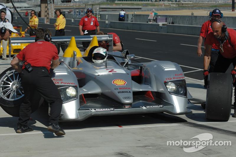 Changement de pneus pour Allan McNish