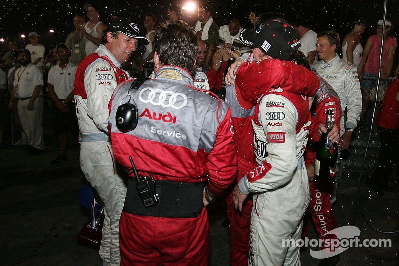 Célébrations après le podium pour Audi