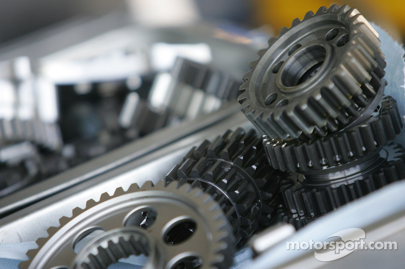 Mécanismes de la Yamaha YZR-M1