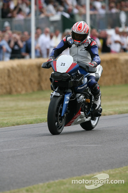 BMW K1200R: Jeremy McWilliams