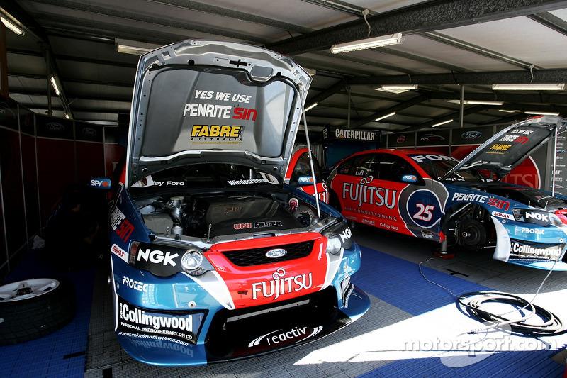 Le garage de l'équipe Fujitsu Racing