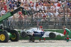 Jacques Villeneuve crashes