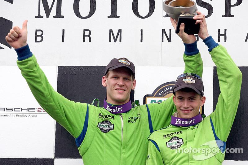 Podium DP : les grands vainqueurs Jorg Bergmeister et Colin Braun