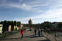 Late afternoon sun on the Pont des Arts