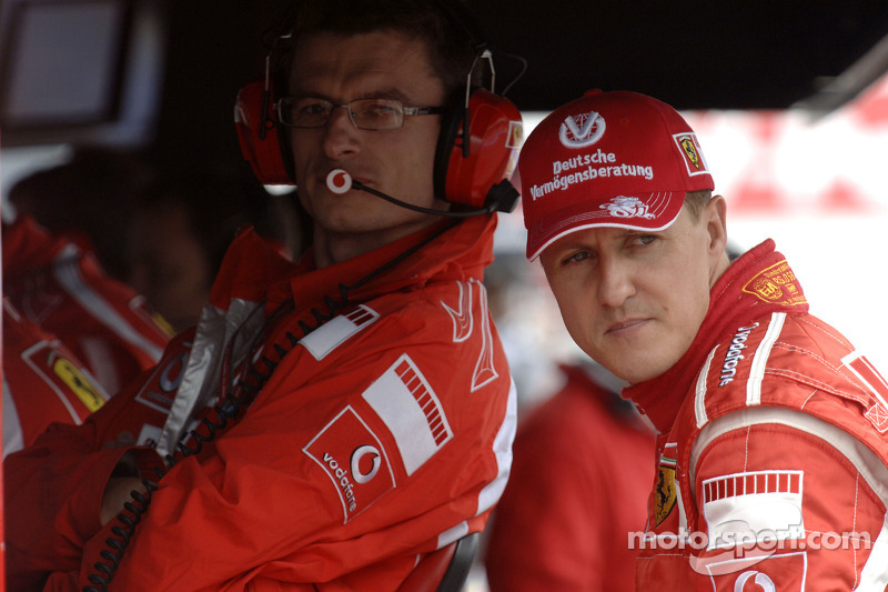 Michael Schumacher y Chris Dyer