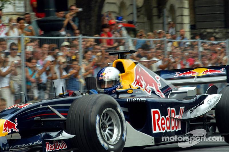 Red Bull Show Run Budapest: Hungaroring Presidente Laszlo Palik en el RB2