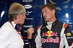 Consultor de Motorsport de Red Bull Helmut Marko y David Coulthard