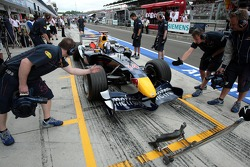 David Coulthard ejerce un pitstop