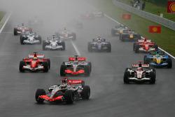 Start: Kimi Raikkonen takes the lead in front of Pedro de la Rosa and Rubens Barrichello