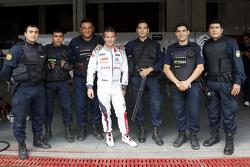 Sébastien Loeb, Citroën Total WTCC, mit bewaffneter Polizei