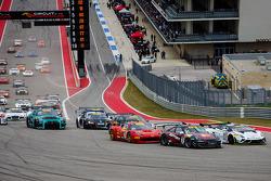 Start: #25 Blancpain Racing, Lamborghini Gallardo GT3 FL2: Nicky Catsburg, in Führung