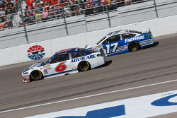 Тревор Бейн, Roush Fenway Racing Ford та Ріккі Стенхауз мол., Roush Fenway Racing Ford