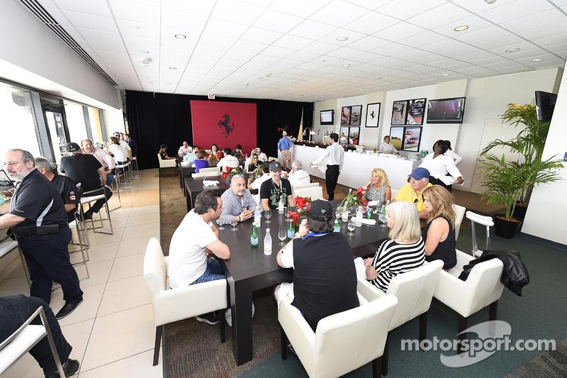 Ferrari-Challenge, Atmosphäre