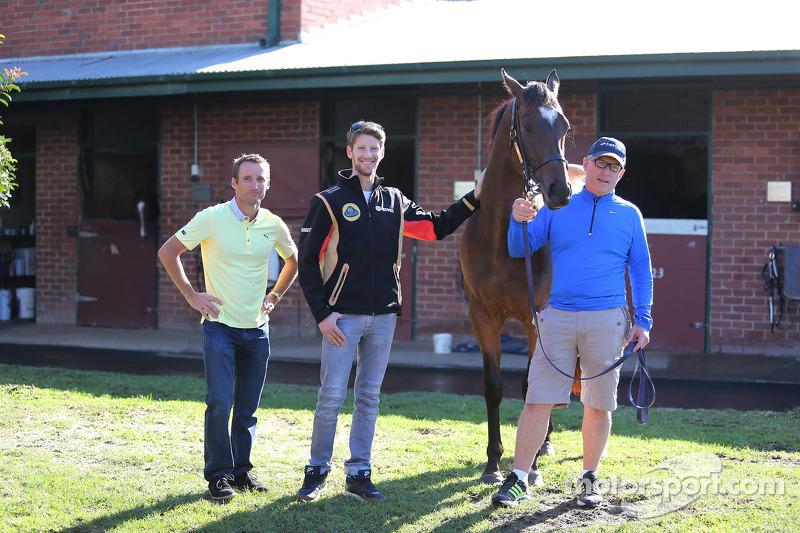 Romain Grosjean, Lotus F1 Team, meets Lankan Rupee, the world's fastest horse, with Champion trainer