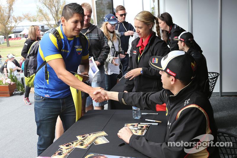 帕斯托·马尔多纳多, 路特斯F1车队,参加车手签名会