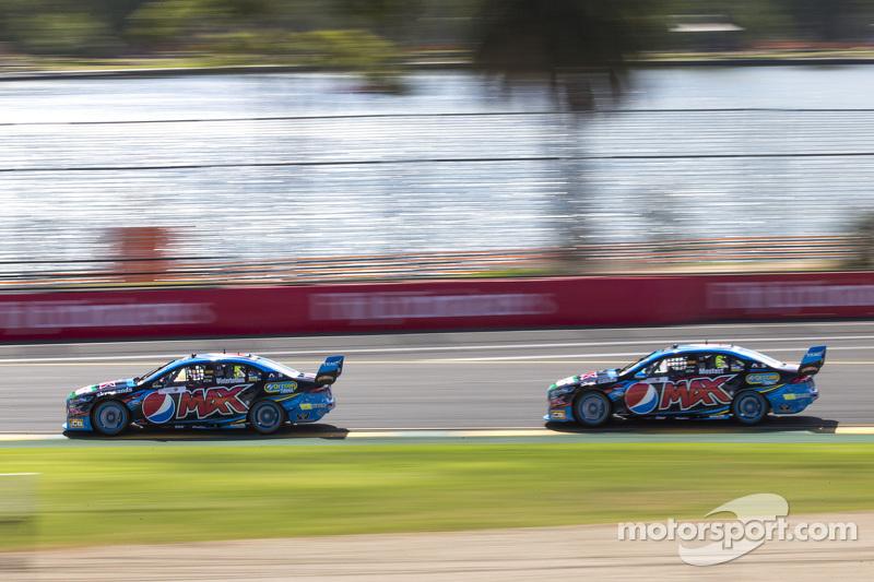 Mark Winterbottom, Prodrive Racing Australia, Ford, und Chaz Mostert, Prodrive Racing Australia, Ford