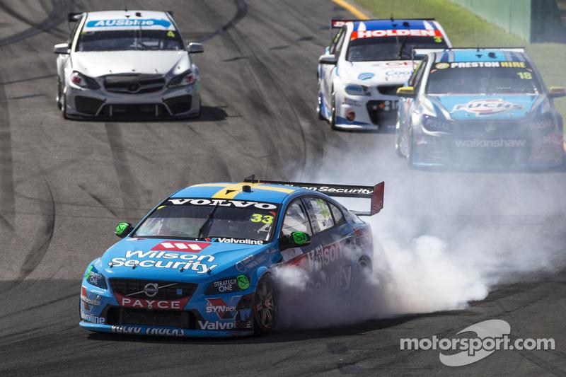 Scott McLaughlin, Garry Rogers Motorsport, Volvo, in Schwierigkeiten