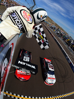 Joey Logano, Team Penske Ford logra la victoria