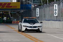 Пейс-кар BMW i8