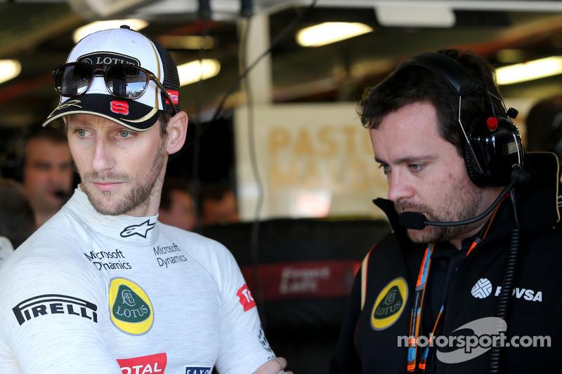 Romain Grosjean, Lotus F1 Team and Julien Simon-Chautemps, Romain Grosjean race engineer, Lotus F1 T