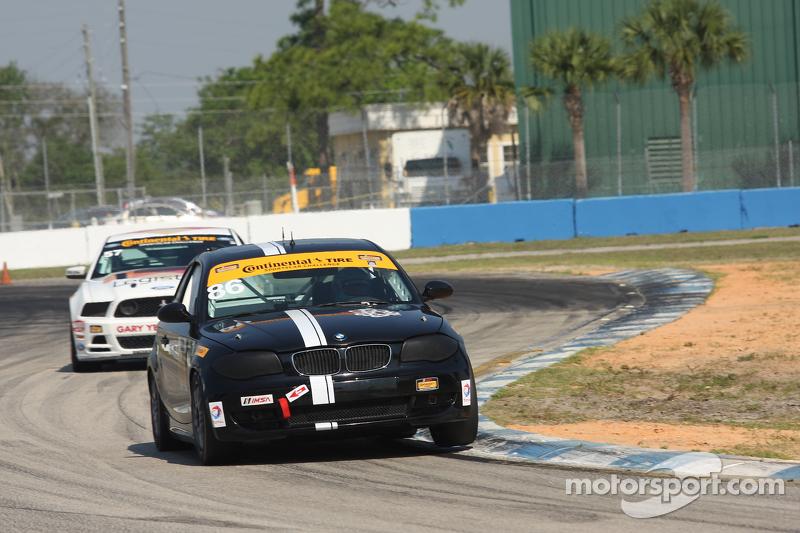 #86 Crucial Motorsports,宝马128i: Sam Schechter, Aaron Nash