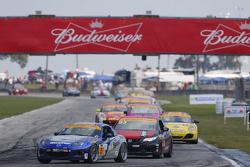 #5 CJ Wilson Racing,马自达MX-5: Stevan McAleer, Chad McCumbee
