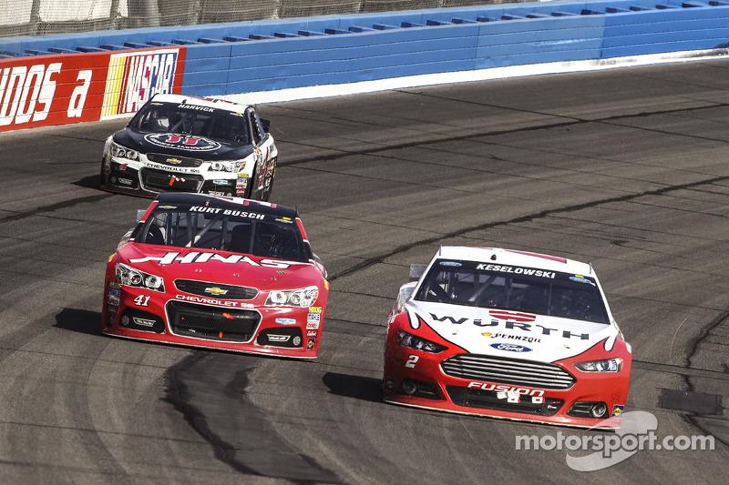 Brad Keselowski, Team Penske, Ford, Kurt Busch, Stewart-Haas Racing, Chevrolet