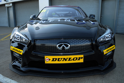 Infiniti Support Our Paras Racing