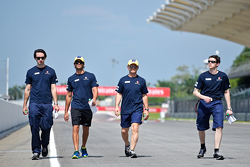 Felipe Nasr, Sauber F1 Team walks the circuit