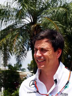 Тото Вольф Mercedes AMG F1