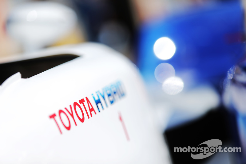 Detail Toyota Racing Toyota TS040